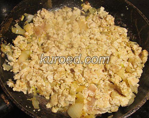 Куриный фарш с овощами, пошаговое приготовление - поджарить фарш