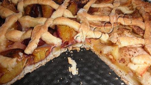 сливово яблочный пирог