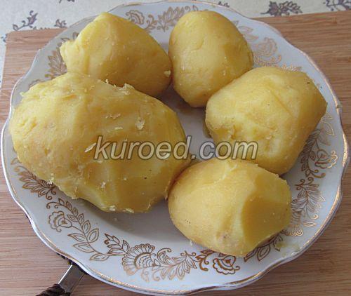 Картофельные пирожки с сыром, пошаговое приготовление - Картошку сварить, очистить
