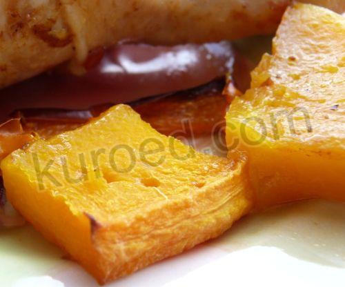 Куриные голени в меду с гарниром из тыквы и овощей