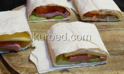 Бутерброды из лаваша с сыром и колбасой
