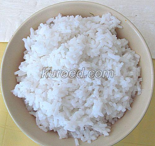 Слоеные пирожки с рисом и яйцами, пошаговое приготовление - сварить рис