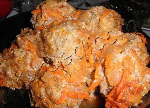 Тефтели с картошкой тушеные с фото