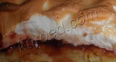 Пирог с малиной и воздушным пудингом – кулинарный рецепт