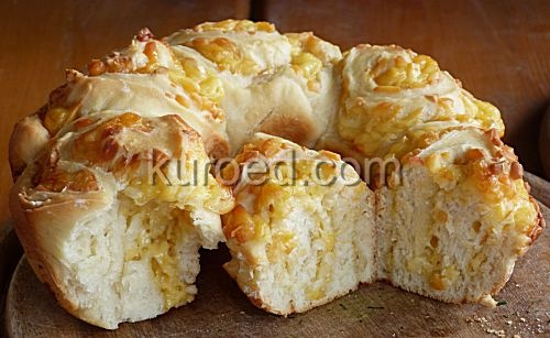 Булочки с сыром и чесноком из дрожжевого теста в духовке рецепт
