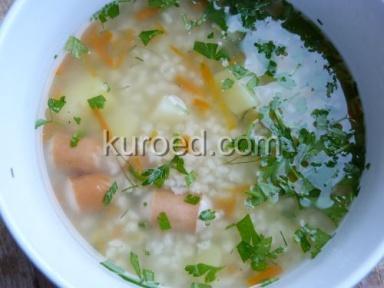 суп с овощами и сосисками