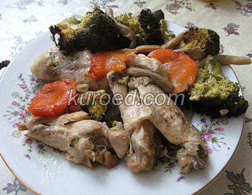 крылышки с овощами в горшочке