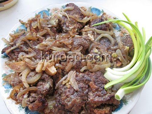 Отбивные из говяжьей печени с грибами