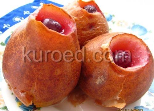 Печеные яблоки с вишневым джемом
