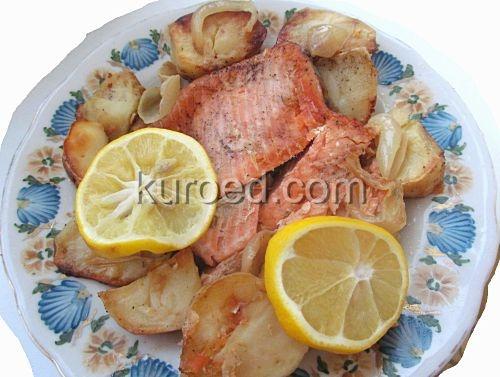 Запеченная семга с картошкой